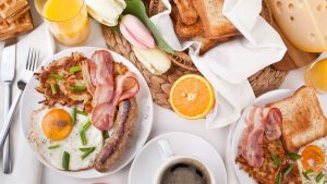 mic dejun lume